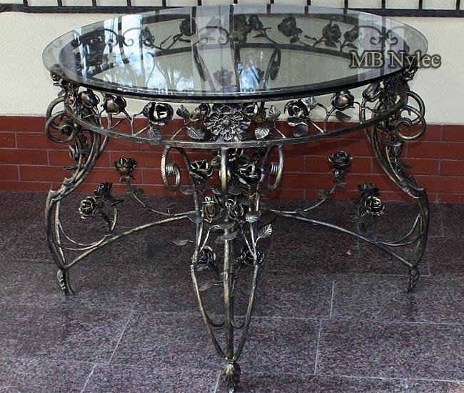 Duży kuty stół różany ze szklanym blatem mk50