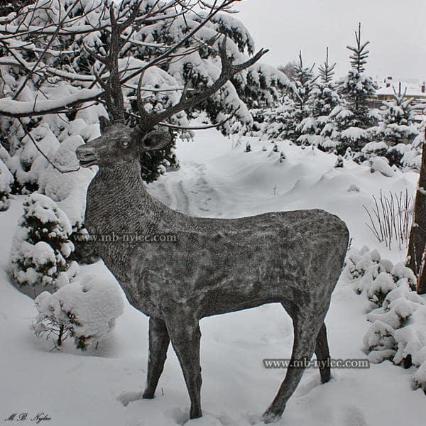 Jeleń ze stali rzeźby z metalu z10