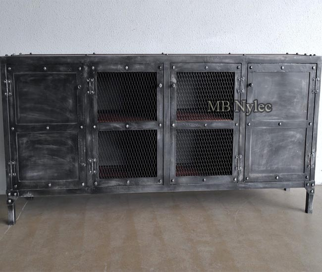 Metalowe meble - komoda loft