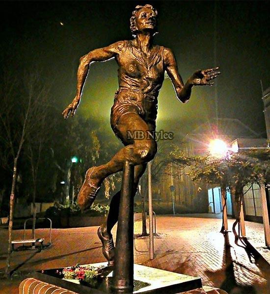 Statua pomnik wykonany z brązu - pomniki z brązu MB Nylec