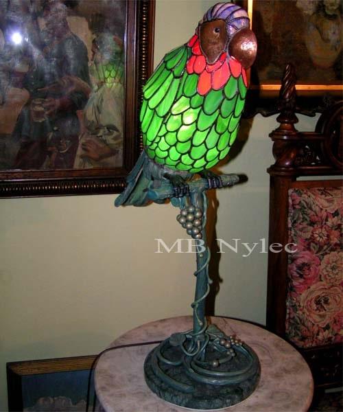 designerska lampa wewnętrzna z witrażu
