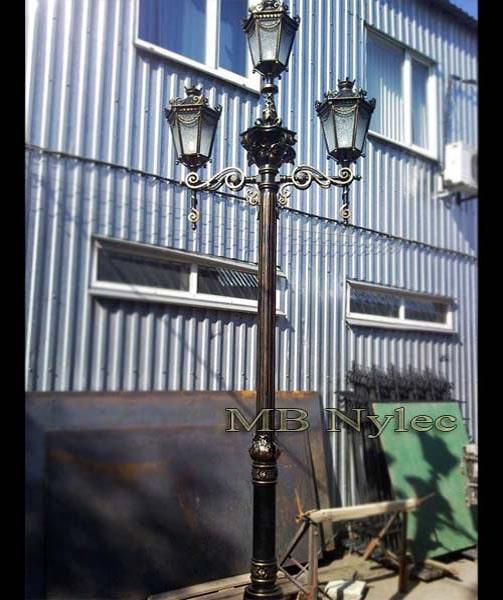 klasyczna wysoka lampa kuta ogd 105