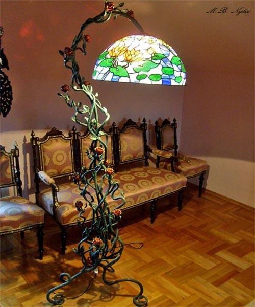 kuta lampa wewnętrzna z witrażowym kloszem