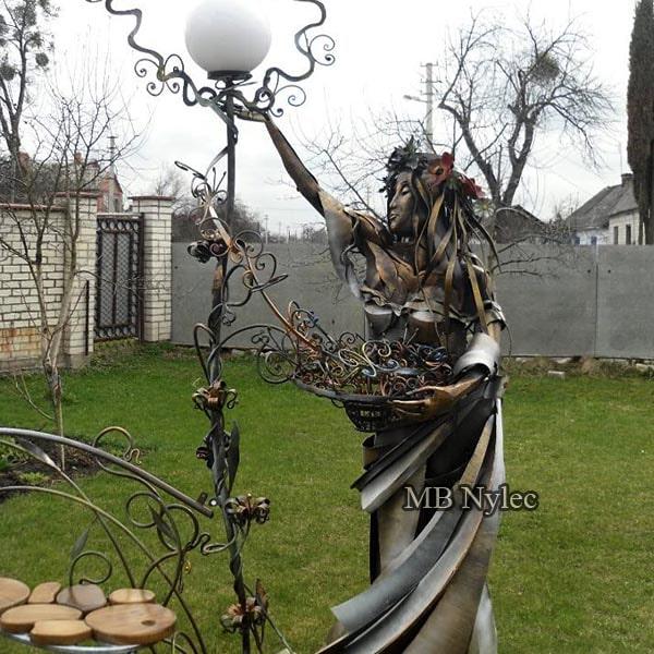 lampa designerska wiosna metaloplastyka