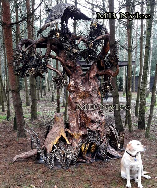 lampa kuta w formie drzewa