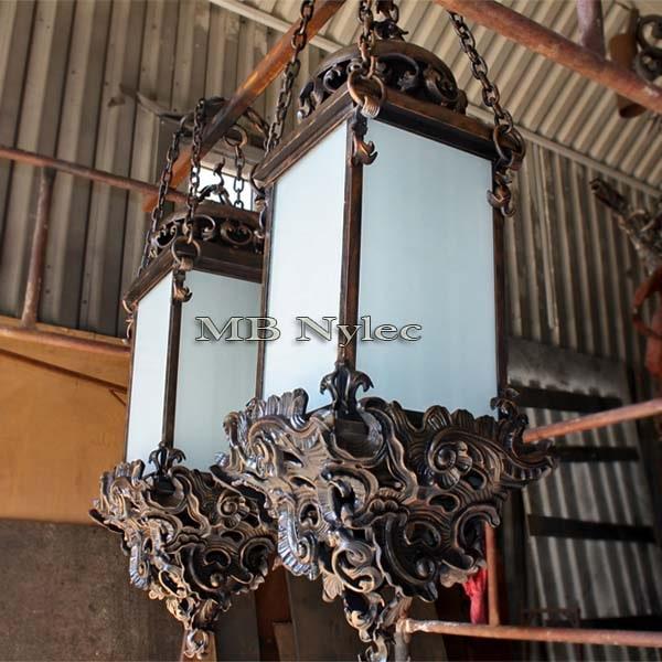 masywna wisząca lampa barokowa ogd47