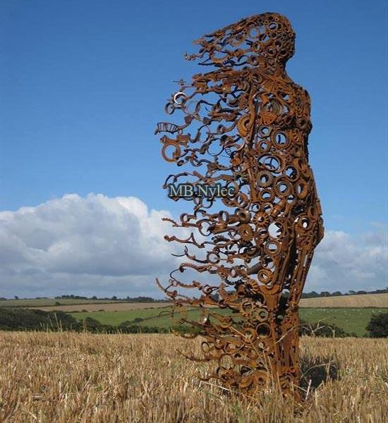 pomnik posąg statua wykonana ze stali z89
