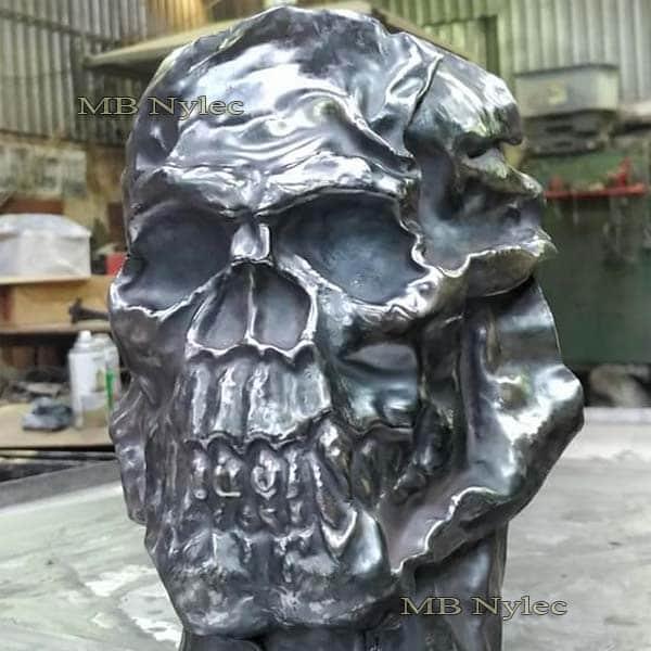 rzeźby z metalu - płaskorzeźba czaszka z metalu - czaszka ze stali - metaloplastyka Dębica