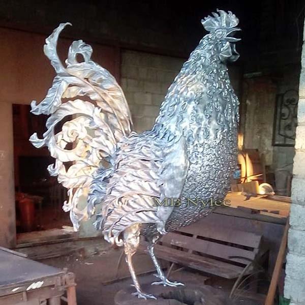 rzeźby ze stali - kogut z metalu - kowalstwo artystyczne - MB Nylec