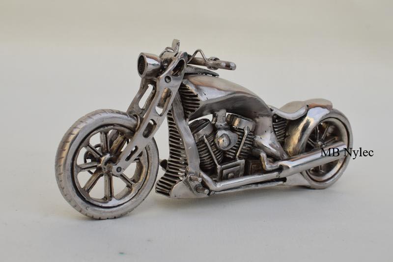 Kuta figura motocykla