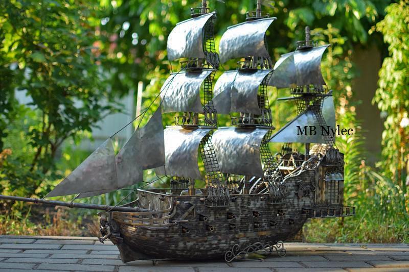 Kuty statek ze stali nierdzewnej rzeźba stalowa