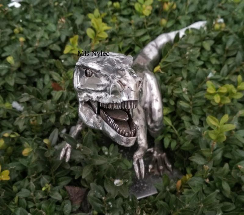 kowalstwo artystyczne figura tyranozaur