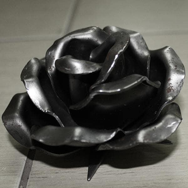 róża kuta k9 elementy kute produkcja