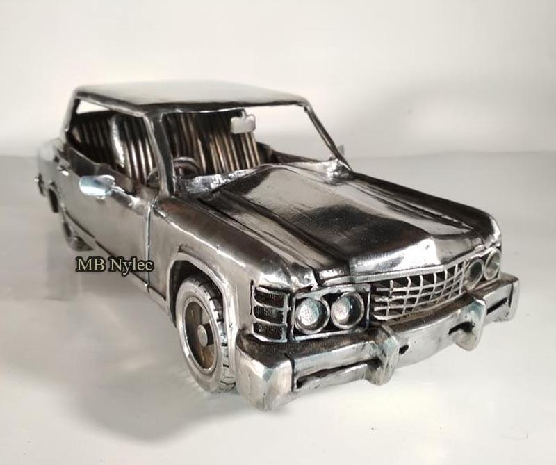 rzeźba samochodu Chevrolet Impala