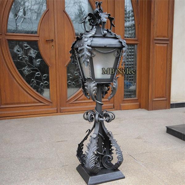 Kuta lampa w typie dworskim