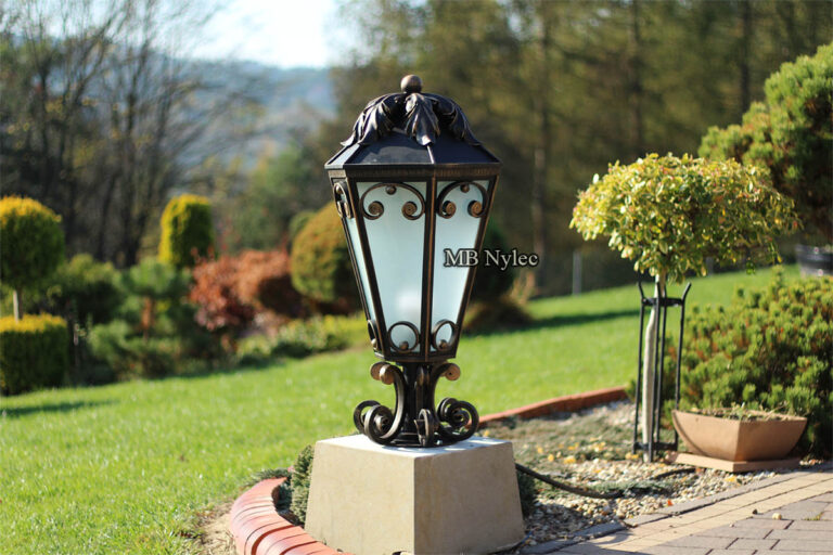 Lampy ogrodowe glamour