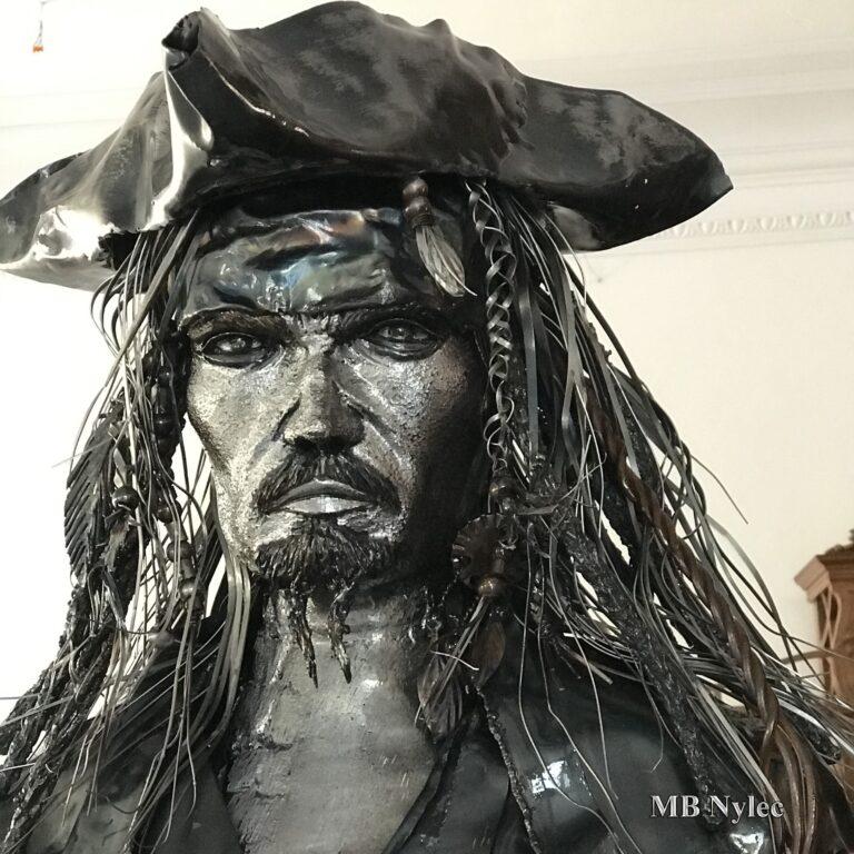 rzeźby z metalu jack sparrow piraci z karaibów