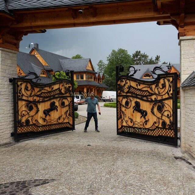 bramy drewniane