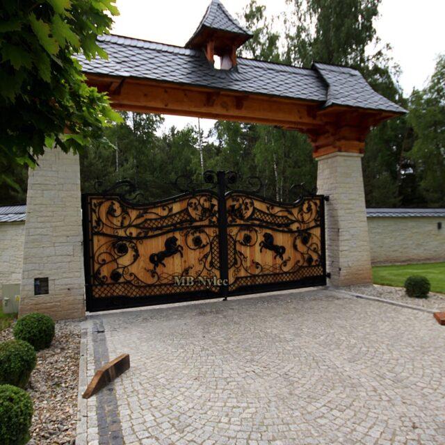 drewniane bramy wjazdowe