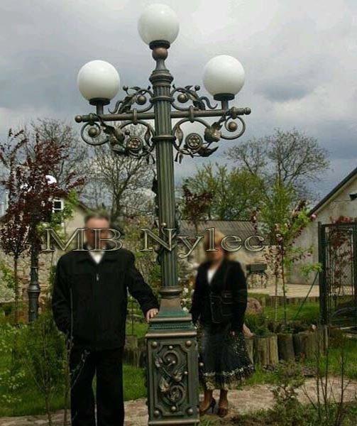 masywna wysoka lampa ogrodowa ogd104